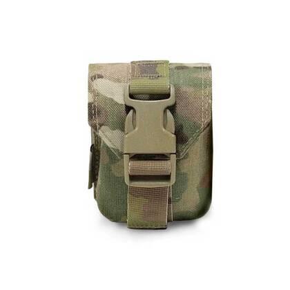 Warriors Frag Grenade Pouch Gen 2 Multicam is simpelweg wat het beschrijft: een pouch voor een granaat. De pouch neemt 2 molle rijen in beslag en kan 1 granaat bevatten.