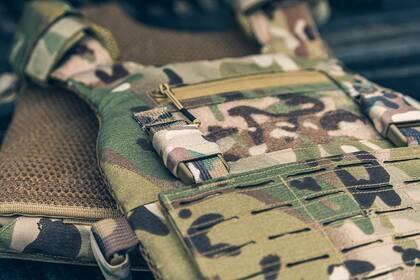 De Viper VX Buckle Up Carrier Gen2 is een modulair vest dat is ontworpen om een verscheidenheid aan VX-systemen en MOLLE-compatibele accessoires te dragen.