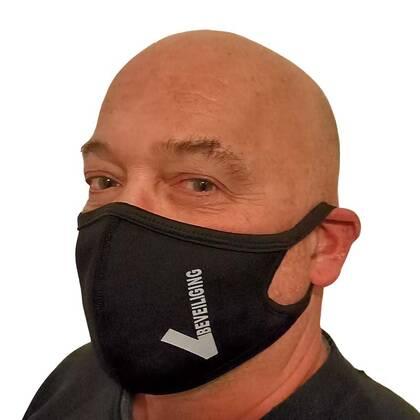 Het Mondmasker Beveiliging is een prettig zittend niet medisch mondmasker. Verkrijgbaar in 3 maten dus voor iedereen een passende oplossing. En door de gebruikte materialen en productieprocessen zijn het zeer scherp geprijsde mondmaskers.